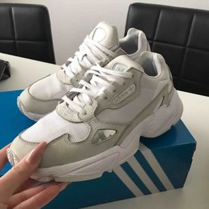 Adidas Falcon Vit.