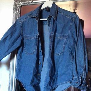 Skitsnygg jeansskjorta från Levi's!