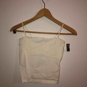Oanvänt linne  Kan mötas upp i Stockholm eller frakta (köparen står för frakten)
