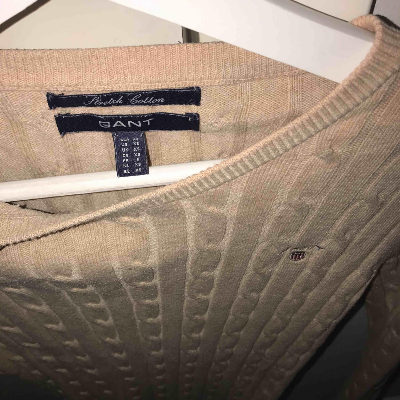 Beige Gant kabelstikad tröja i XS . Stickat.
