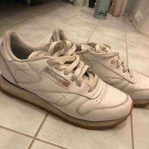 Reebok skor. Använda ett fåtal gånger.🎉