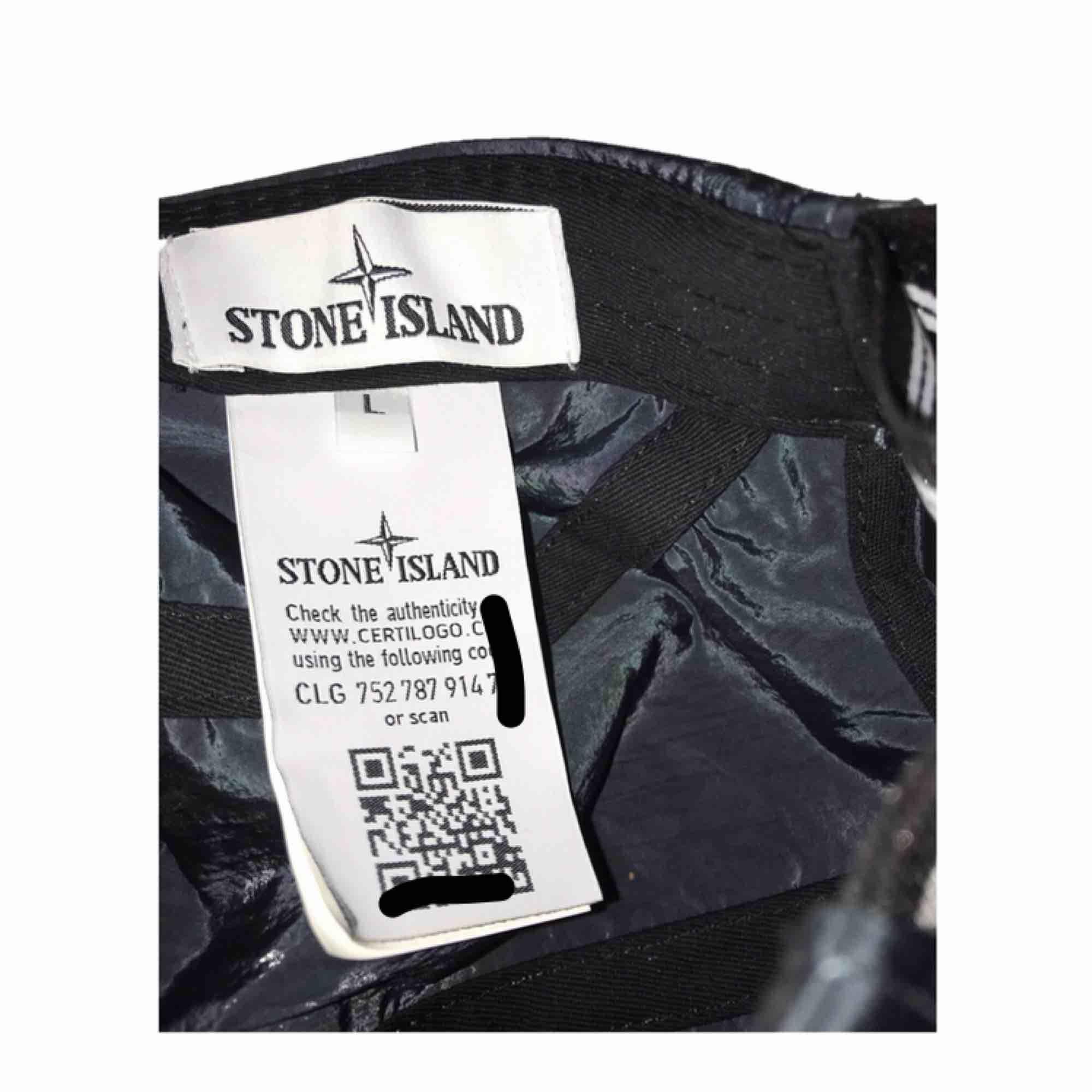 Stone island keps size: one size skick:9/10 nypris:1000kr.. nästintill ny... Accessoarer.