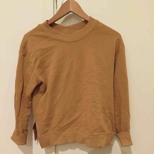 Sweatshirt i strl XS men passar S/M, fin kvalitet!