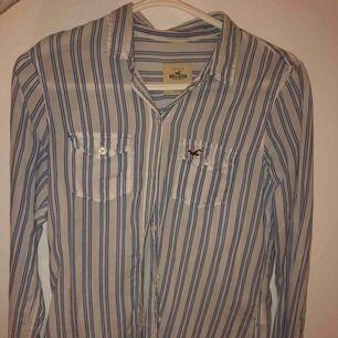 Skjorta från Hollister. Använd men i mycket bra skick.
