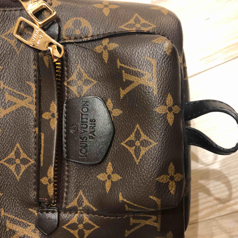 Fake Mini Louis Vuitton väska. Priset kan diskuteras. Väskor.