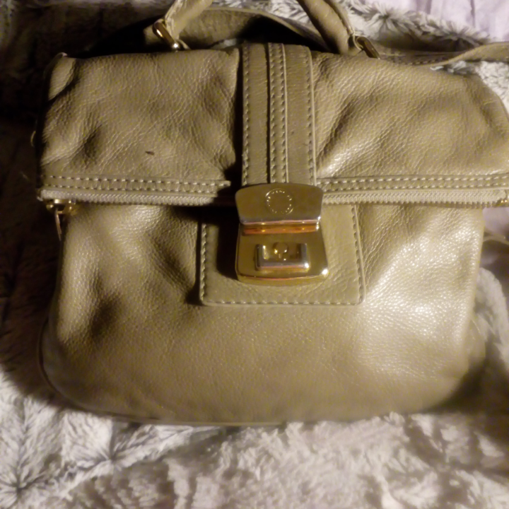 Marc Jacobs mullvadsfärg, sällan använd bara lite repor på låset. Väskor.
