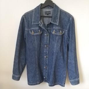 Blå jeansjacka - 100% bomull - Frakt ingår i priset