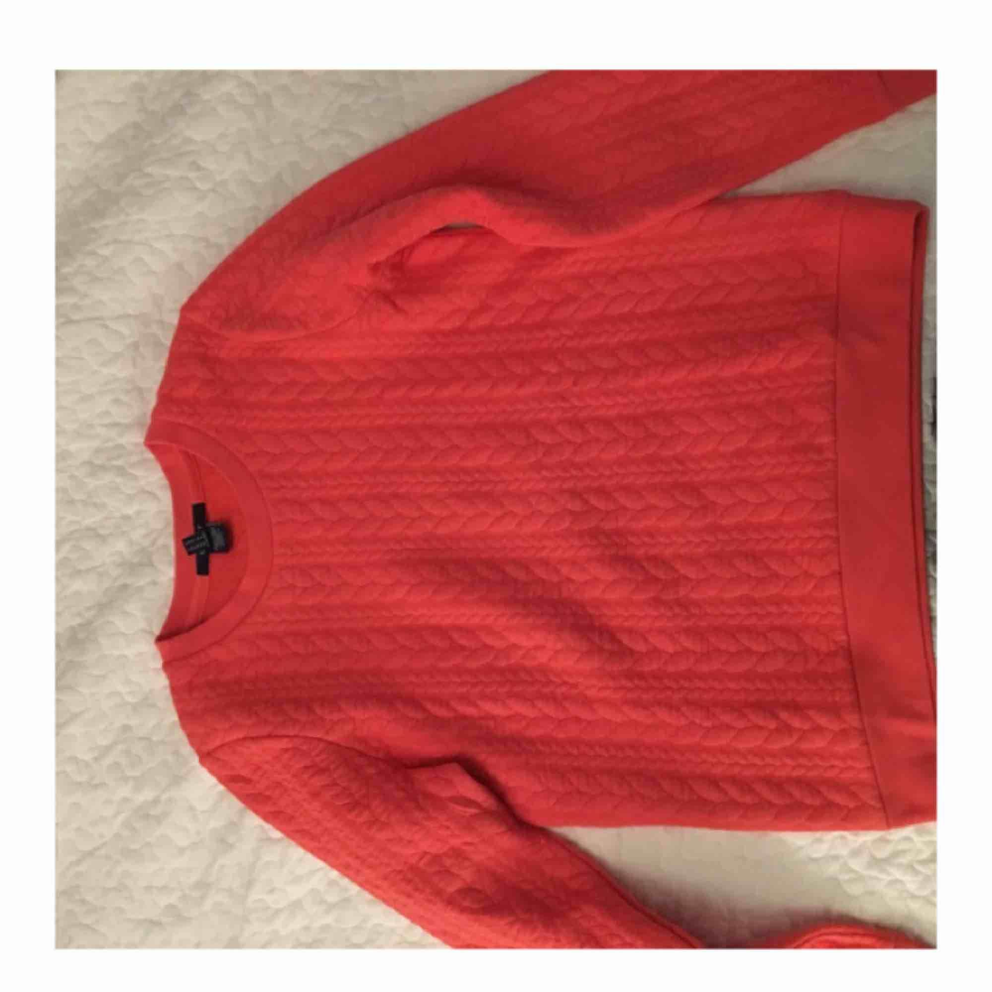 Helt ny oanvänd mjuk orange gant tröja i M. Huvtröjor & Träningströjor.