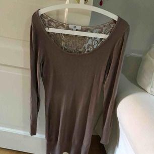 Lång tröja/klänning beroende på hur du vill ha den 😍🦋