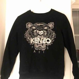 Äkta kenzo Paris sweatshirt använd 1 gång. Köpare står för frakt. Möts upp i sthlm.