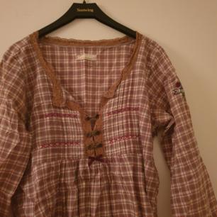 Fin tröja från Odd Molly i storlek 2.