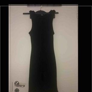 Ribbat klänning superfin