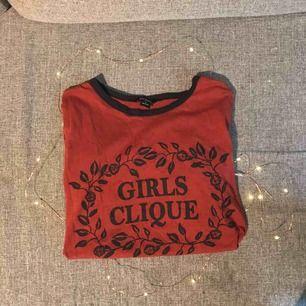 T-shirt från Monki med tryck på✨✨✨