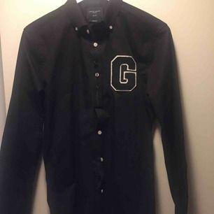 Aldrig använd grand Frank skjorta. Storlek M slim fit