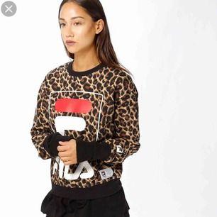 En leopard tröja från Fila! 🖤🐆 Köparen står för frakten!