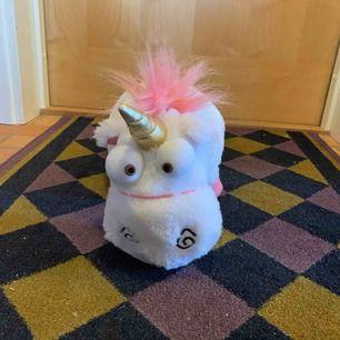 Enhörnings gosedjur från dumma mej köpt på universal i Florida.