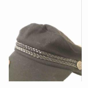 Jättefin hatt eller vad det kalls. Aldrig använt. Köpt i Malmö för ca 250kr. Jättefin att använt snart på våren och sommarn. ☺️skriv för mer info, frakt och pris kan diskuteras.