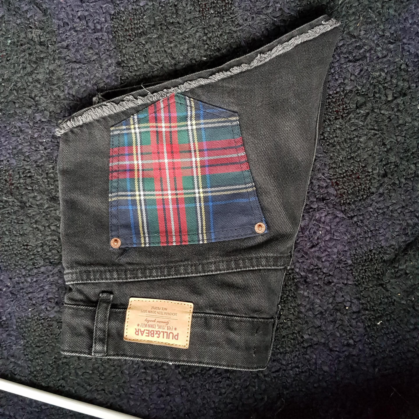 Pull & Bear shorts in gray with red-checked pockets! Barely use as good condition. Stylish details & high waist.. Shorts.