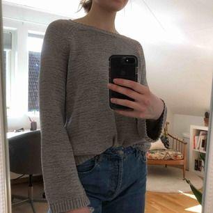 Stickad långärmad tröja! Bra skick, kostar 70kr (fri frakt!!)💓