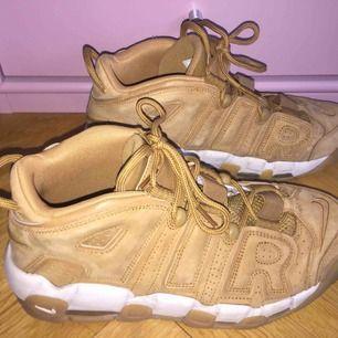 Urvuxna Nike sneakers