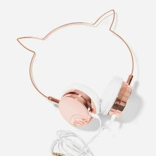 Dessa super snygga hörlurar finns nu💗😍😭