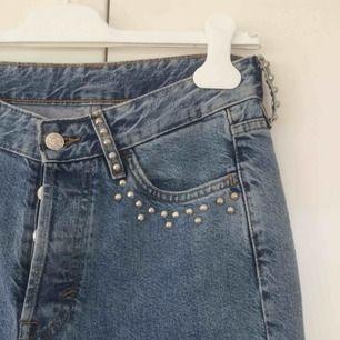 Mommy jeans strl 27/30. Vintagefit & High Waist. Köparen står för evt frakt.