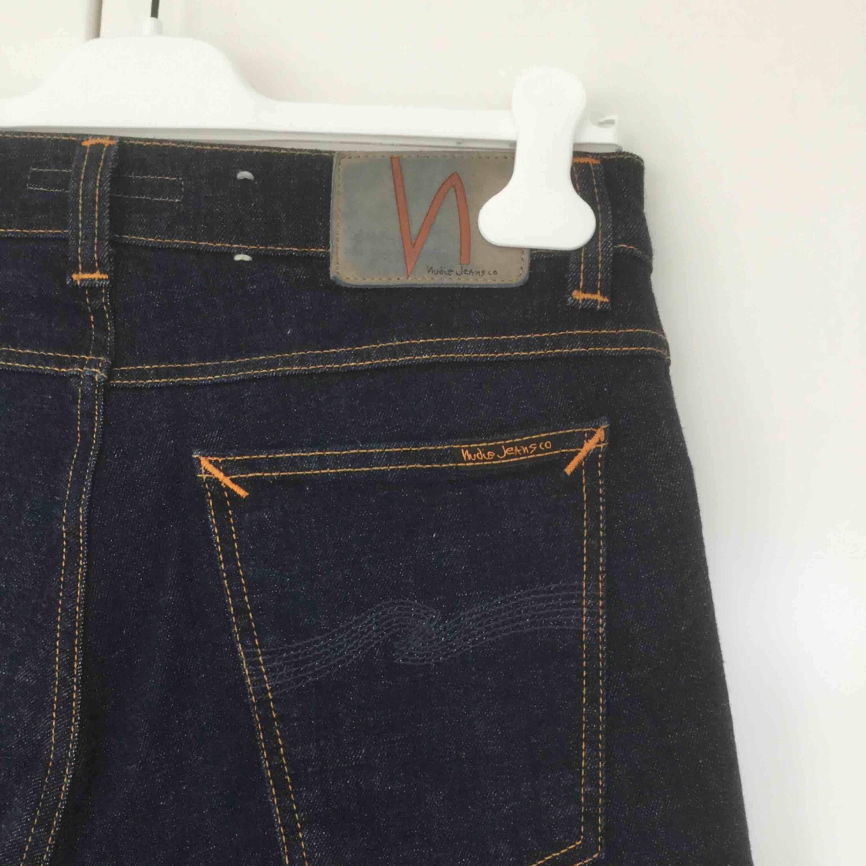 "Nudie jeans i modell ""tight terry"" rak & slimmad. Unisex. Aldrig använda pga fel strl. . Jeans & Byxor."