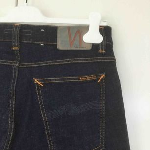 "Nudie jeans i modell ""tight terry"" rak & slimmad. Unisex. Aldrig använda pga fel strl."