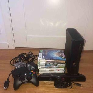 Komplett Xbox 360 Kinect, med en handkontroll och 9 spel. Nyskick, inga repor eller andra skavanker. Fungerar perfekt!