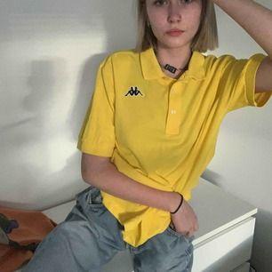 💛Super snygg gul kappa piké💛 frakt 40kr