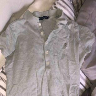 En äkta Ralph lauren tröja, grå med krage + frakt