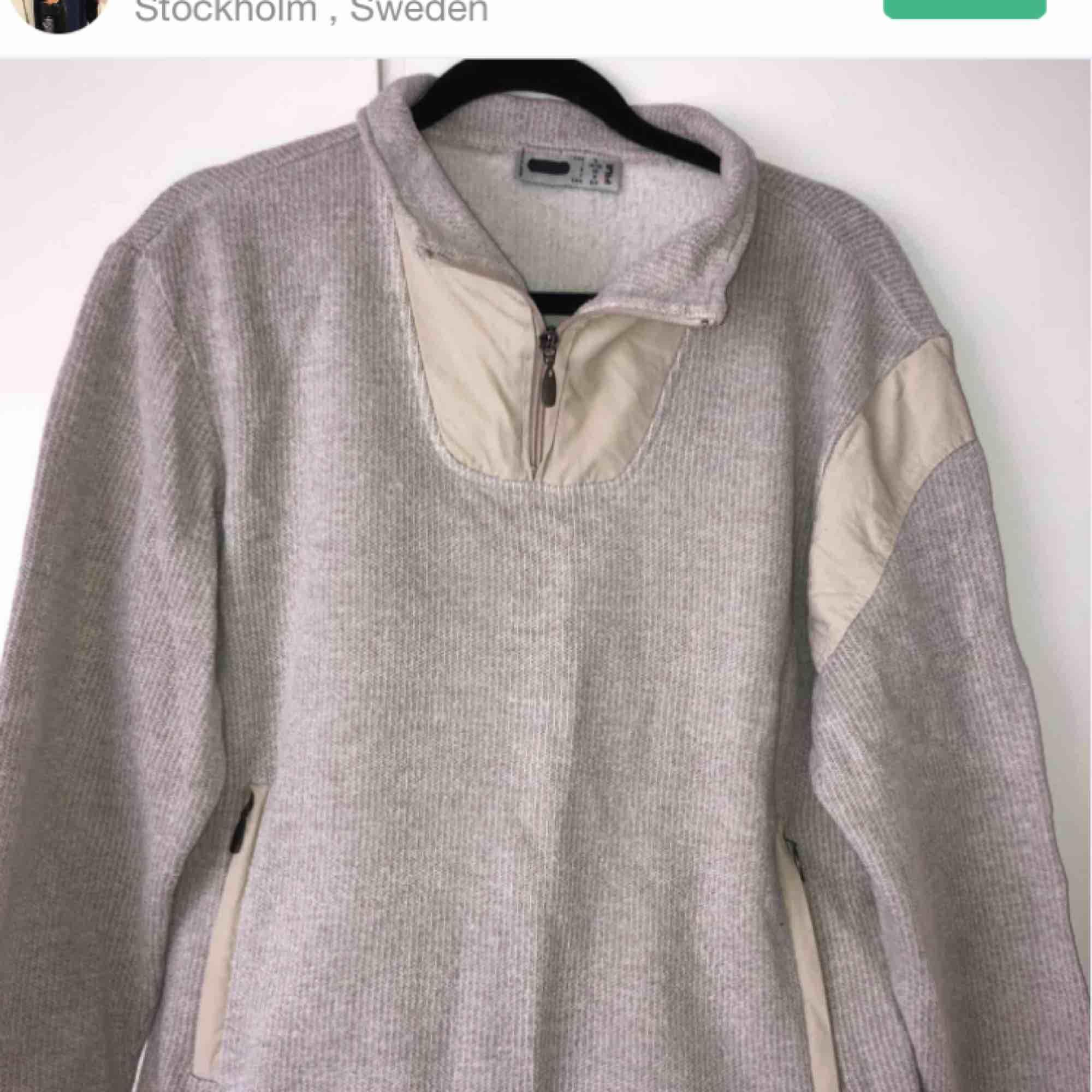 Denna fina fila tröjan har jag köpt här på plick och använt den ett par gånger men vill sälja den nu för har inte använt den på senaste tiden. Väldigt mysig och skön. Pris och frakt kan diskuteras. Skriv för mer (inte mina bilder) info 😊🥰. Huvtröjor & Träningströjor.