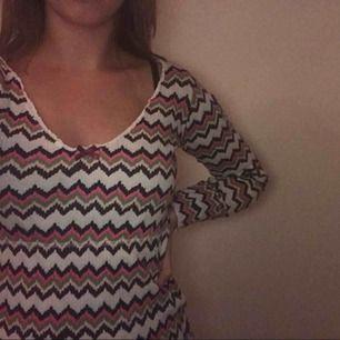 Jätte snygg rand färgad odd Molly tröja säljes❤️  tar emot swish, fraktar och möts upp, skriv till mig vid intresse eller frågor💕