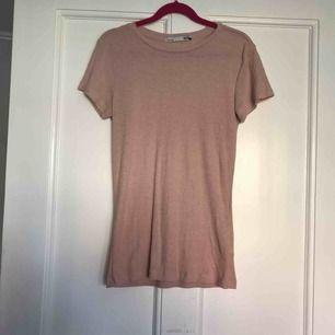 T-shirt från Lager 157. Nyskick.  Frakt: 35kr.