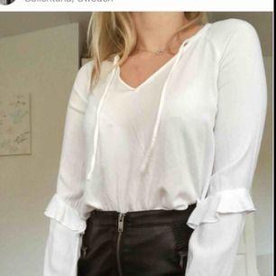 Superfin tröja från Bershka i storlek XS. Fint skick, frakt tillkommer 💕