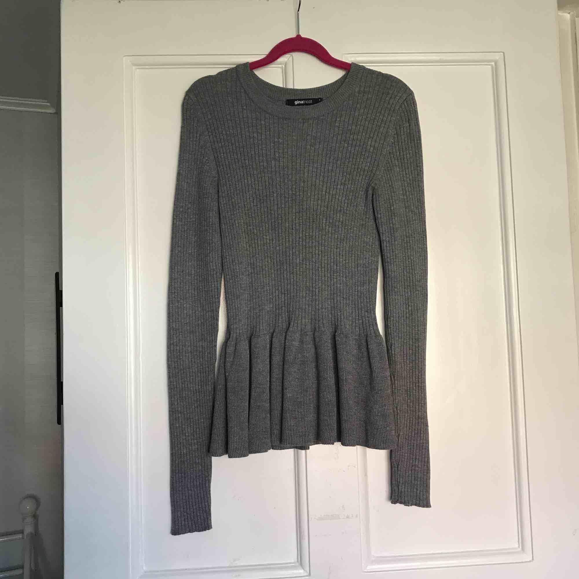 Tröja från Gina tricot i nyskick.  Frakt: 55kr. . Tröjor & Koftor.