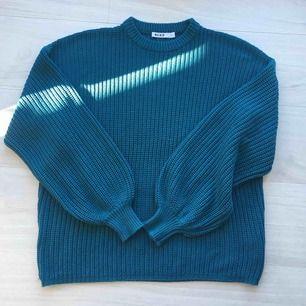 Jättefin oversized tröja från NA-KD. S storlek. Använd bara en gång. Frakt är 54kr.