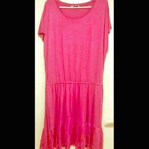 ny klänning i trikå från ellos strl XL