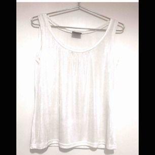 vitt silvrigt linne strl 40 från soyaconcept