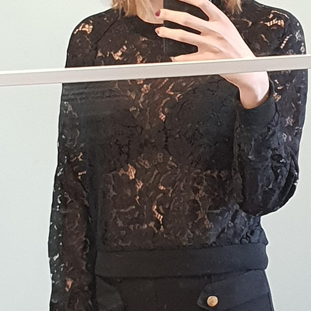 Långärmad lace tröja. Övrigt.