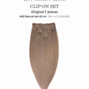 I princip nytt löshår från rapunzel of sweden. Äkta löshår så det går platta, locka, färga med mera. Inköpt för 1700kr. Det är 10 delar vilket blir en hel hårförlängning. Använt ca 10ggr så är som nytt.