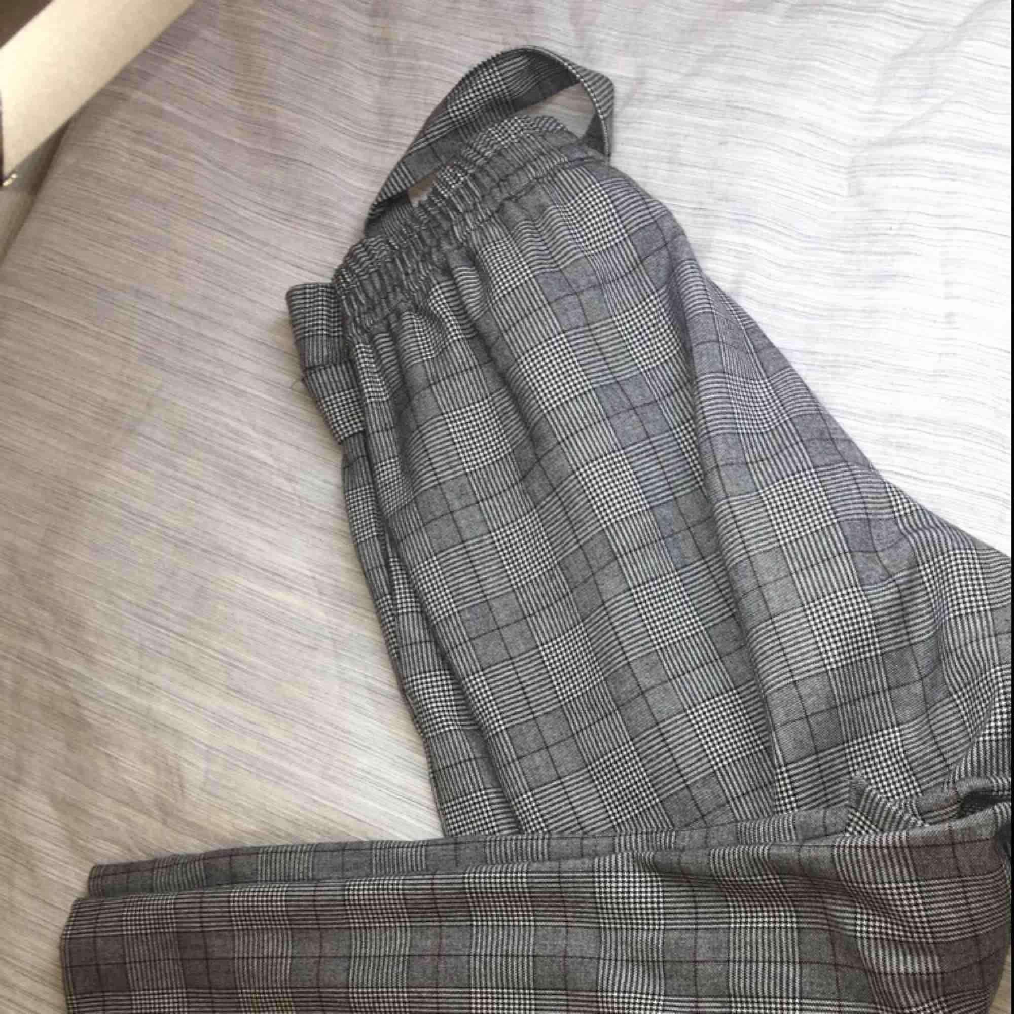 —-. Jeans & Byxor.