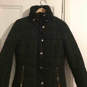 Knappt använd Vinter/ höst jacka