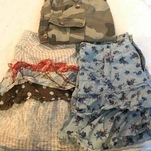 Korta kjolar  Camo str 36 från tipster 40kr Blåblommig str 36 från only 40kr Mönstrad str s från coola Anna 40kr Alla för 100+ ev porto