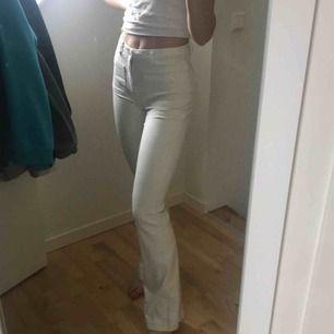 Benvita Bootcut jeans med snygga detaljer såsom framfickor  Asbra passform❤️❤️❤️