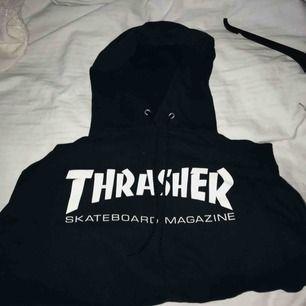 Svart Thrasher hoodie. Pris kan diskuteras, frakt tillkommer 🤩