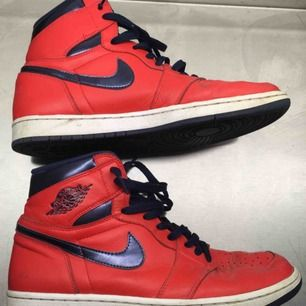 Air Jordan 1 retro basketsko. Gott skick
