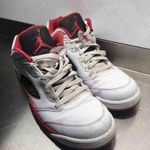 Air Jordan retro 5 low. Gott skick