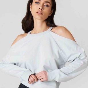 Helt oanvänd tröja från NAKD. Säljer pågrund av att jag råkade köpa två.