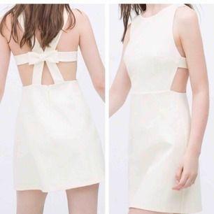 Sparsamt använd klänning från Zara!